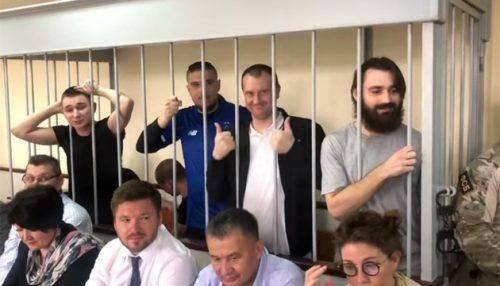 Військовополоненим морякам, серед яких є й черкащани, продовжили термін арешту (відео)