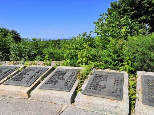Містяни обурені: в Каневі занедбали парк Слави (фото)