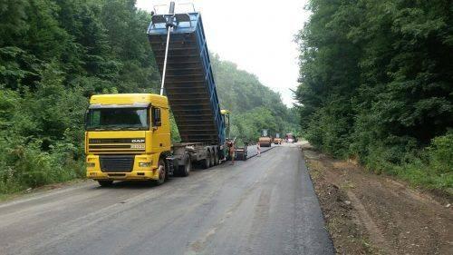 На Черкащині ремонтують державну дорогу (фото)
