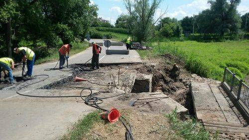 На Черкащині ремонтують міст (фото)