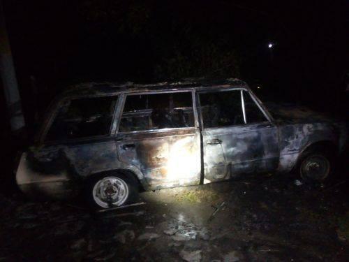 У Черкасах на парковці загорівся автомобіль (фото)
