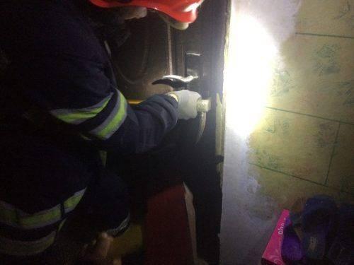У Черкасах діти залишилися у замкненій квартирі (фото)