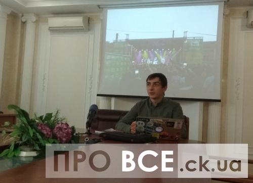 Порушення та креативні способи агітації: як на Черкащині проходить виборча компанія