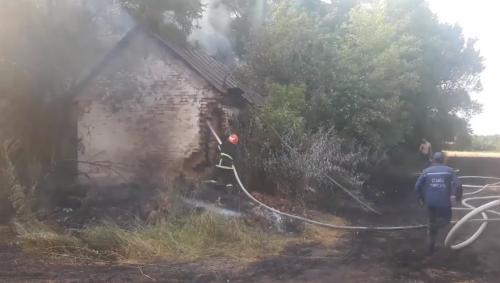 На Черкащині сталася пожежа стерні пшениці (відео)