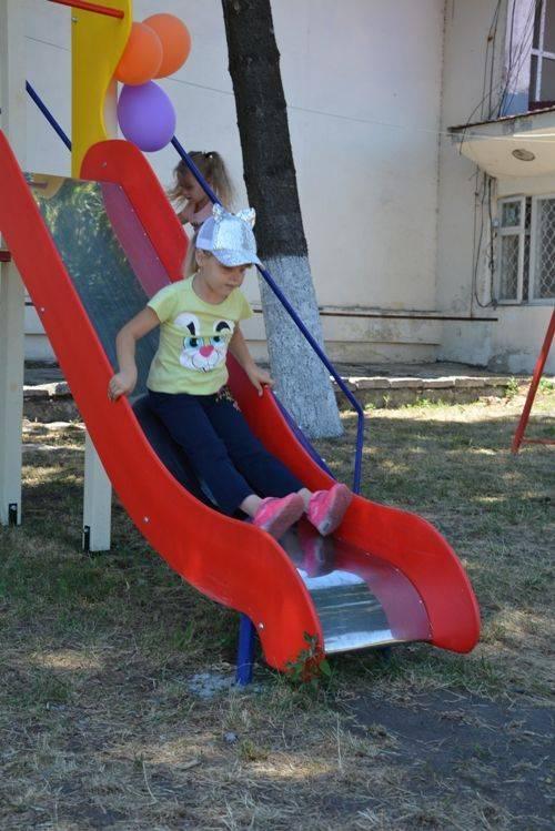 На Золотоніщині облаштували сучасний майданчик для дозвілля дітлахів