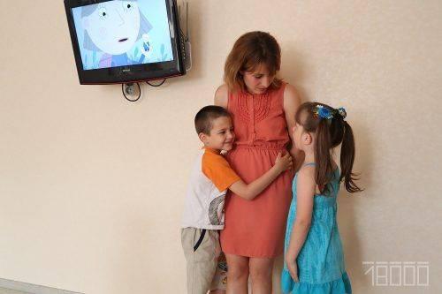 Черкаська родина розповідає, як це у 28 стати батьками для семи дітей