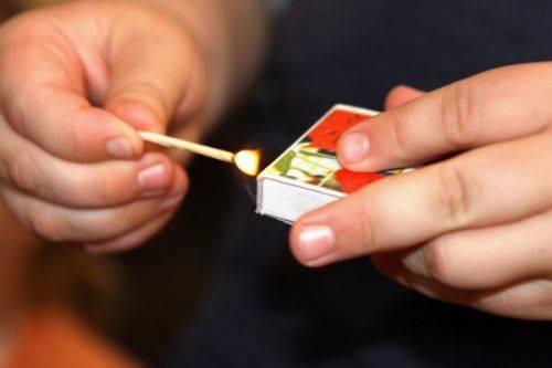Через ігри з сірниками та мастилом дитина на Черкащині отримала опіки