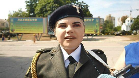 Юна черкащанка, яка пройшла за конкурсом до восьми ЗВО, вирішила стати танкісткою (фото)