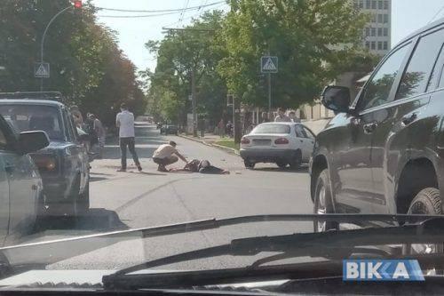 У Черкасах під час ДТП з авто випала жінка (фото)
