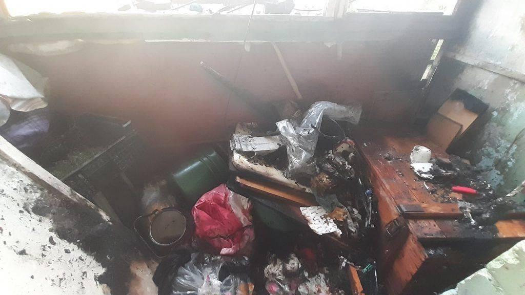 Через необережність під час паління у Черкасах горів балкон (фото)