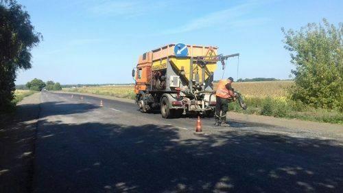 Біля Черкас ремонтують об'їзну дорогу (фото)