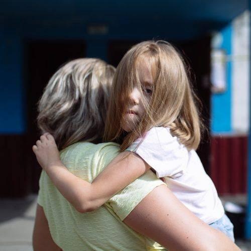 """Ми ні з ким не гуляли на дитячих майданчиках, бо було важко дивитись на здорових діток"""", - як маленька черкащанка долає тяжку хворобу (фото)"""
