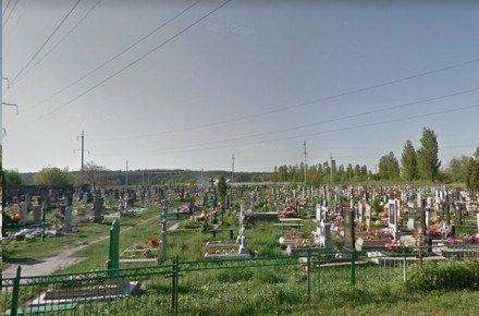 На Черкащині наркоторговці роблять закладки на могилах