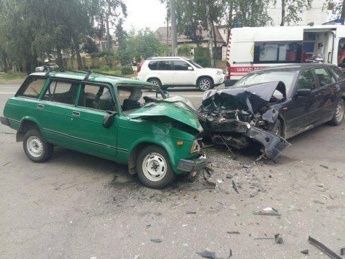 У Черкасах зіштовхнулися два автомобілі: є постраждалі (фото)