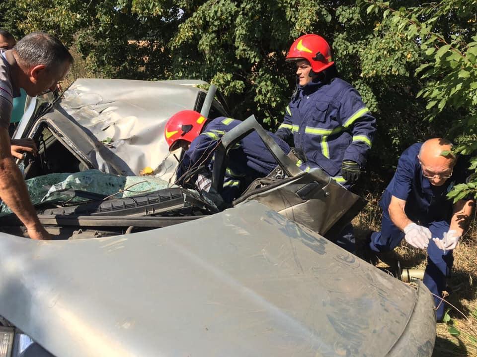 На Черкащині водія з численними травмами деблокували з авто (фото, відео)