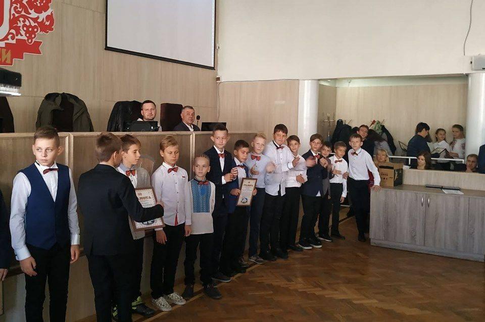 На сесії нагородили юних баскетболістів (фото)