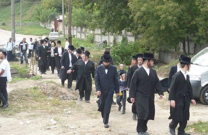 Шломо-вчитель приїхав до Умані з Ізраїлю, щоб навчати дітей паломників-хасидів