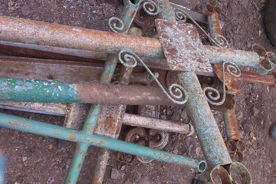 На Черкащині вандали понівечили дев'ять могил