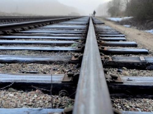 """""""Вискочив перед поїздом і поклав голову на рейки"""": на Черкащині розслідують самогубство підлітка"""