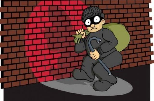Дует крадіїв затримали поліцейські Черкащини