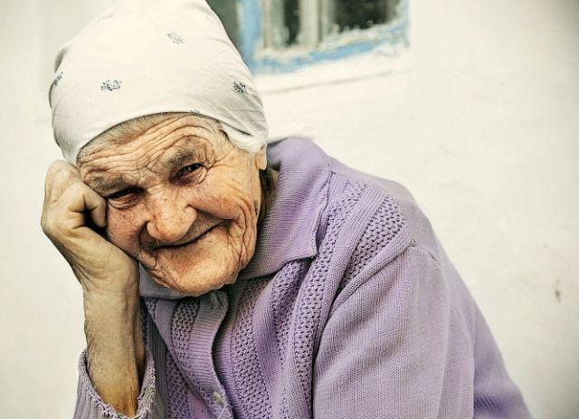На Черкащині небіж врятував життя 90-річної песніонерки