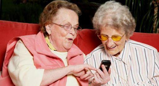 На Черкащині пенсіонерів навчатимуть користуватися смартфонами