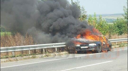 Внаслідок ДТП на Уманщині горів автомобіль. Двоє пасажирів в лікарні