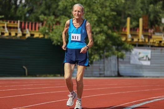 80-річна черкаська рекордсменка показала своє тренування (відео)