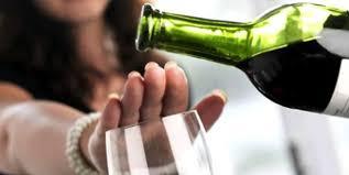 """""""Алкоголь не захистить від COVID-19"""": що їсти та пити під час свят, щоб не нашкодити здоров'ю"""