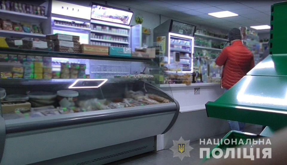Поліцейські Уманщини  виявили три торгівельні заклади, де продавали алкоголь з порушеннями