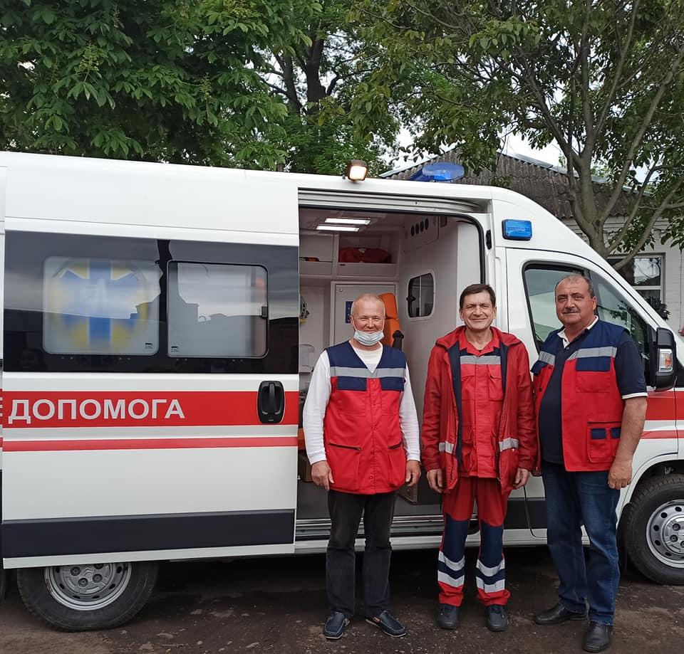 Тяжкохворого хлопчика із Черкащини транспортували до білорусі для складної операції