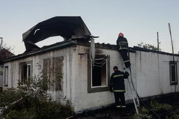 """""""Полум'я знищило все нажите роками"""": родина з Черкащини втратила будинок через пожежу"""