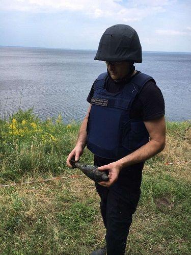 На Черкащині сапери знищили міну, яка знаходилась у бойовій готовності