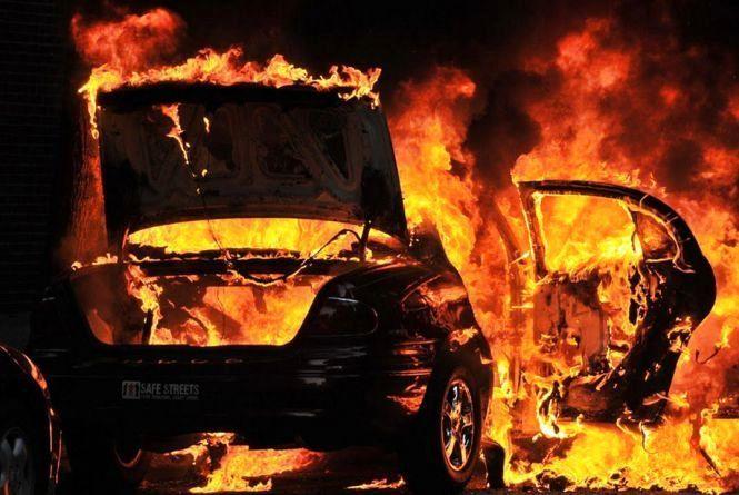На Черкащині чоловік підпалив автомобіль