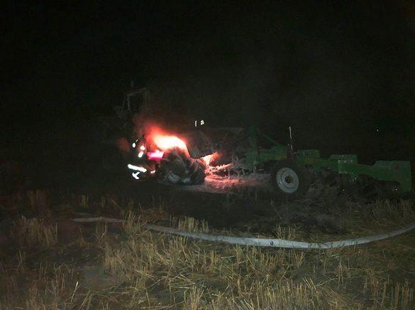 На Черкащині під час робіт загорівся трактор (фото)