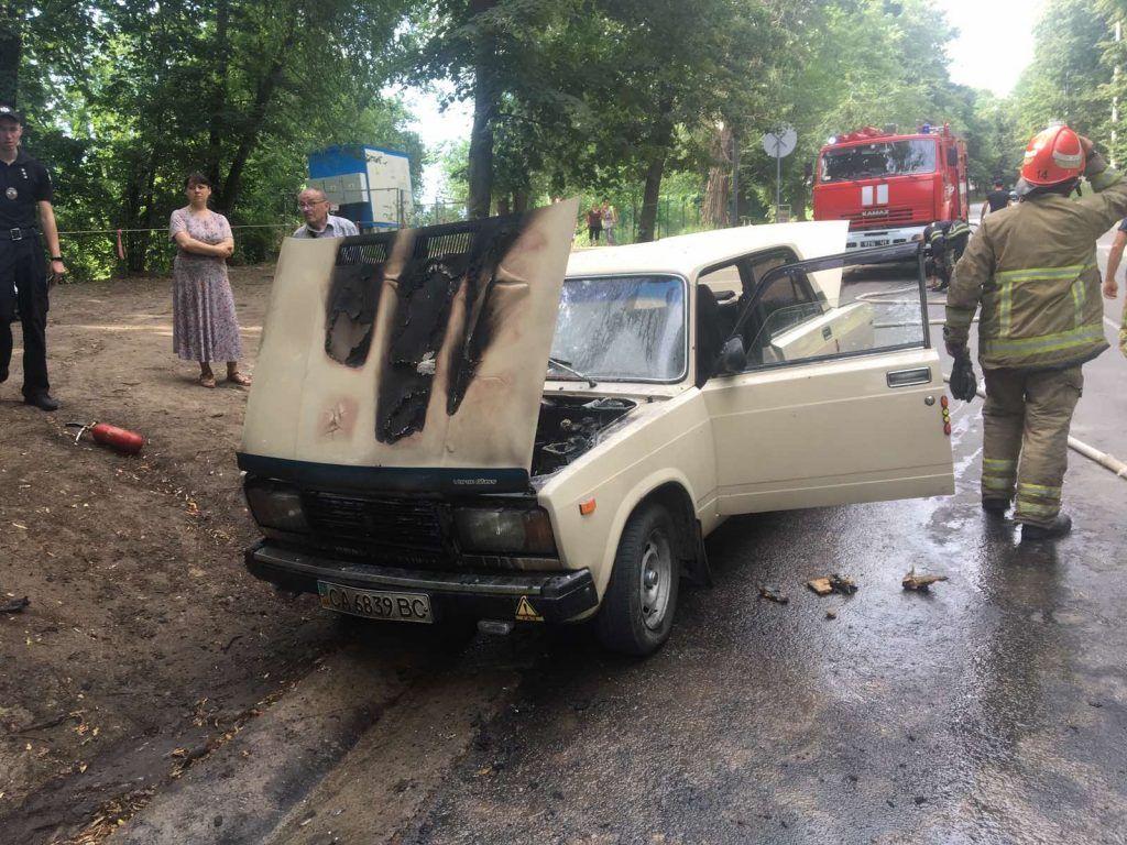 За добу на Черкащині спалахнуло три автівки (фото, відео)