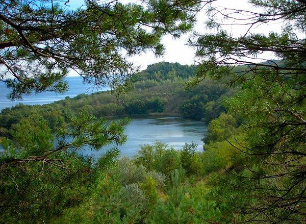 Блакитне озеро в Бучаку на Черкащині: у скільки обійдеться відпочинок (відео)