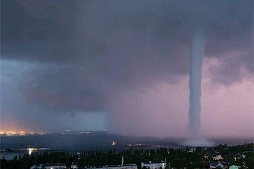 Завтра на Черкащину знову прийдуть смерчі, грози та зливи