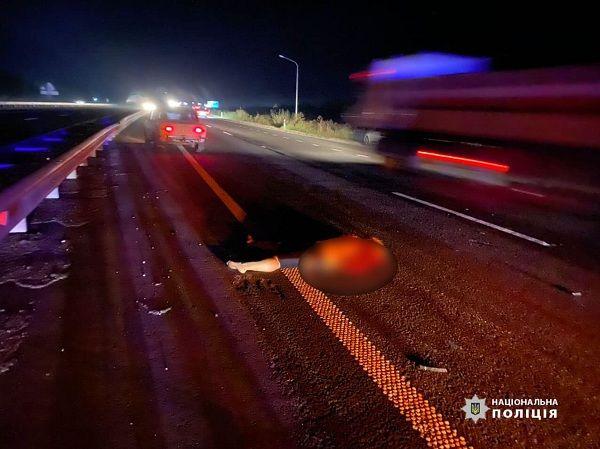 На Черкащині в нічній ДТП загинула жінка (фото)