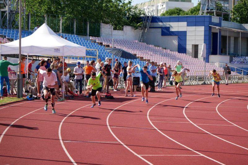 Майже сотня легкоатлетів змагалися за перемогу на чемпіонаті Черкаської області