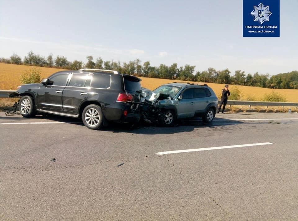 На автодорозі М-05 Київ-Одеса сталася ДТП з постраждалими (фото)
