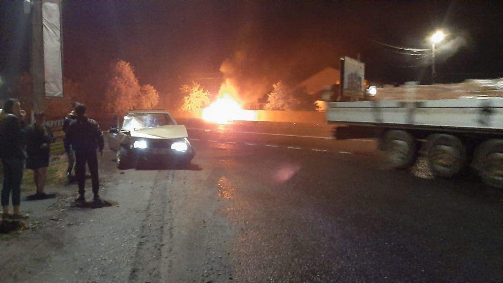 На Черкащині після аварії довелося ліквідувати пожежу (фото)