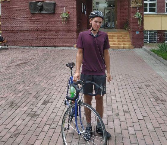 Абітурієнт із Черкащини проїхав велосипедом 700 км, щоб подати документи до Львівського університету