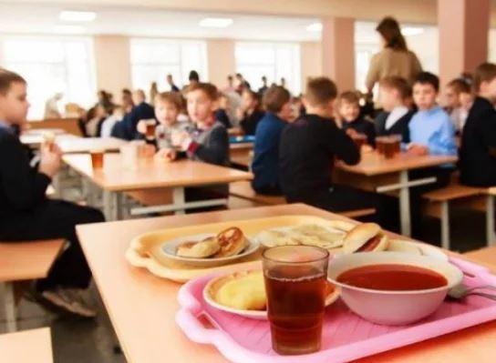 Черкащан просять повідомляти, якщо в закладах освіти – неякісне харчування
