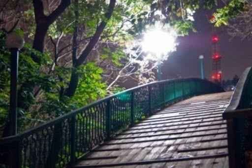 Із Мосту кохання в Черкасах зістрибнув чоловік