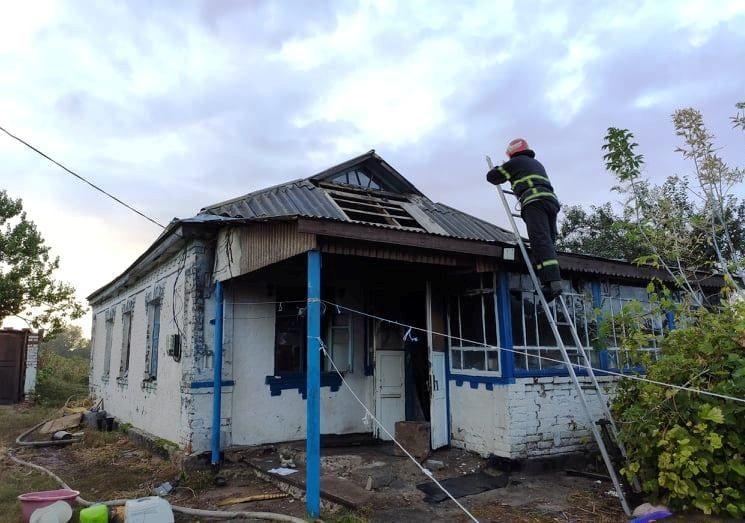 Через коротке замикання на Черкащині загорівся будинок (фото, відео)