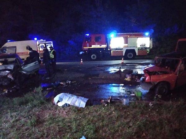 В автотрощі на Черкащині загинув чоловік, ще троє – в лікарні