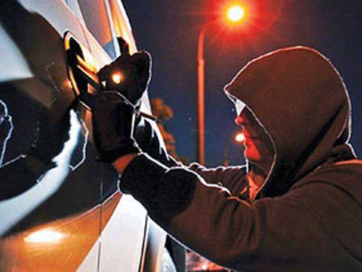 У Золотоноші сталося два угони: власниками обох авто є жінки з однієї вулиці