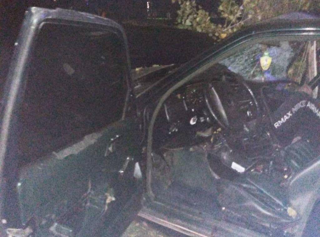 Жахлива ДТП в Черкасах: двох молодиків затисло в авто, обоє – в комі (фото)
