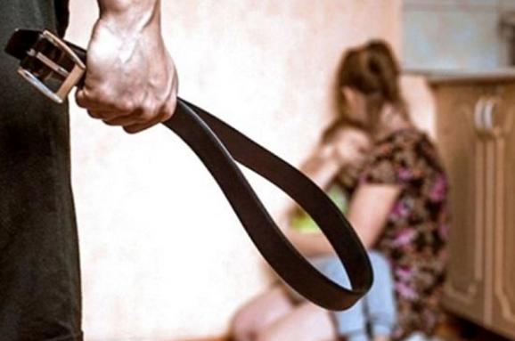 Черкащан просять повідомляти про домашнє насильство в родинах